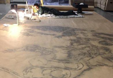 Enrico, l'uomo che da 3 anni vive disegnando una Divina Commedia di 97 metri
